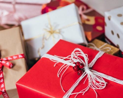 Cadouri pentru apropiati de oferit cu ocazia sarbatorilor
