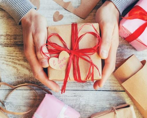 Recomandari de cadouri speciale pentru persoana iubită