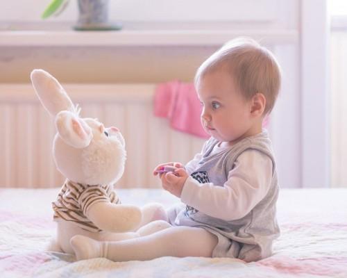 Cadouri pentru bebelusi - idei surprinzatoare pentru parinti si pitici