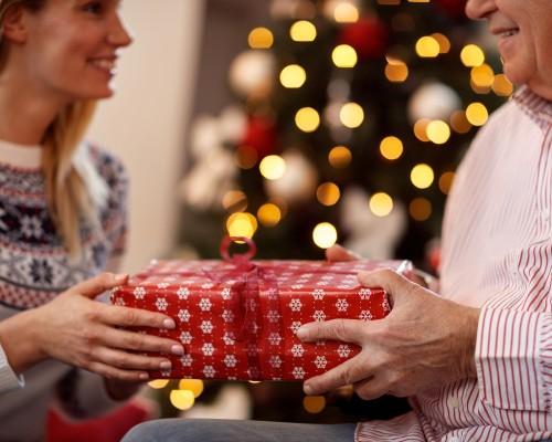 Cele mai bune idei de cadouri pentru persoane din familie